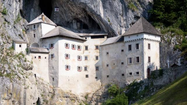 Postojna Cave, Predjama Castle and Lake Bled in a day 47